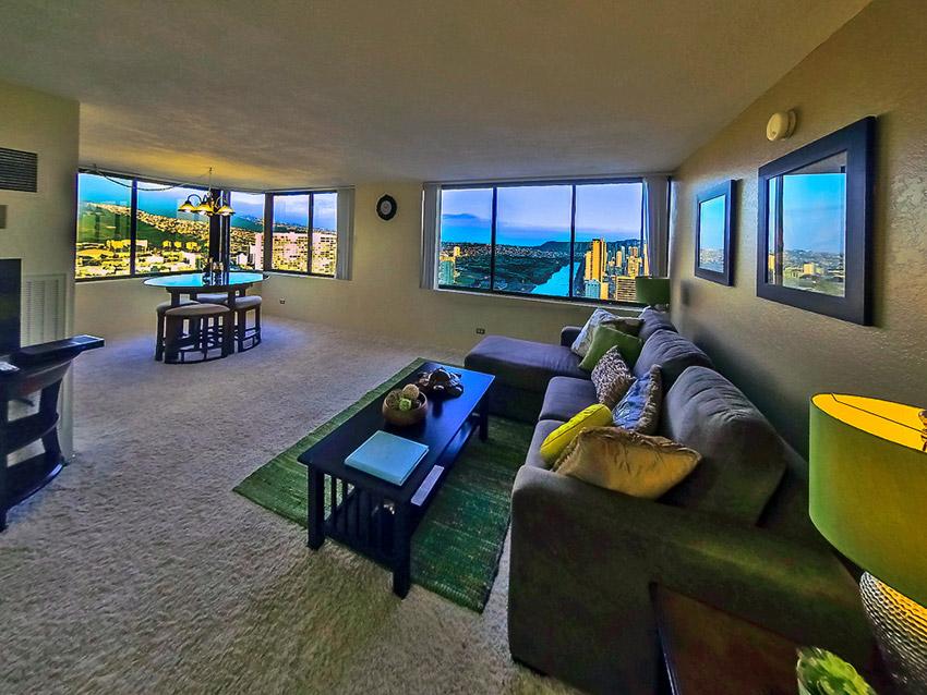 Hawaiian Monarch –  Penthouse #303 (2Bed)