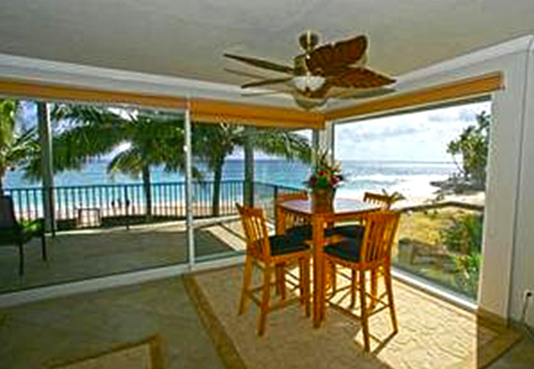 Makaha Ocean Front Fan House