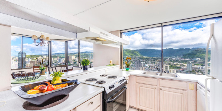 Penthouse104 Waikiki Hawaiian-large-005-Kitchen-1499x1000-72dpi