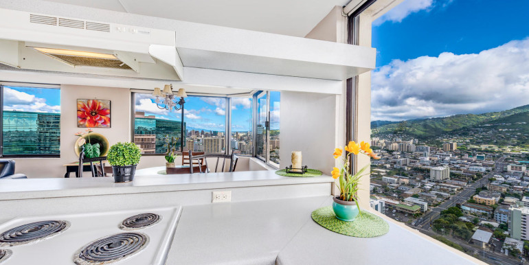 Penthouse104 Waikiki Hawaiian-large-007-Kitchen to Dining-1499x1000-72dpi