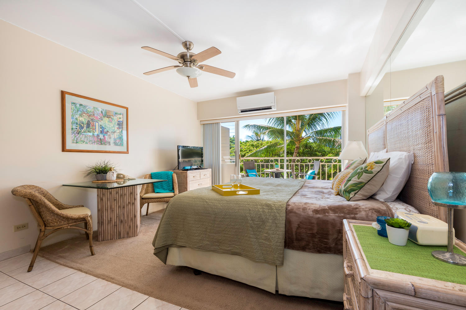 Waikiki Shore – 3rd Floor (Large Studio)