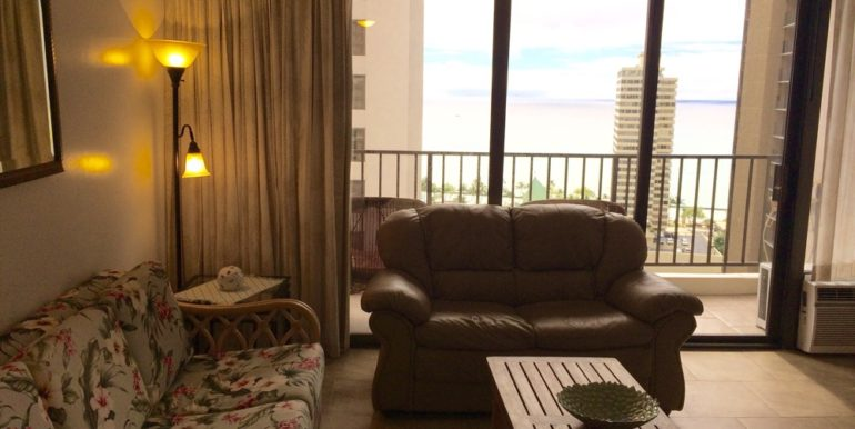 Waikiki Banyan 24th livingroom view