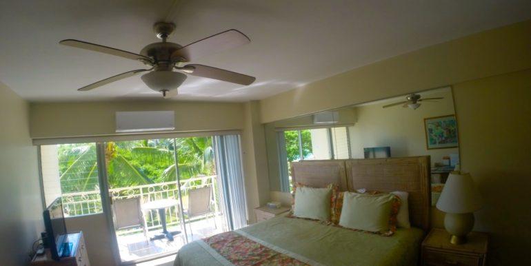 Waikiki Shore 305 room