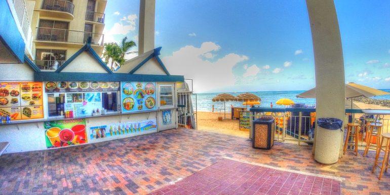 Waikiki Shore beach